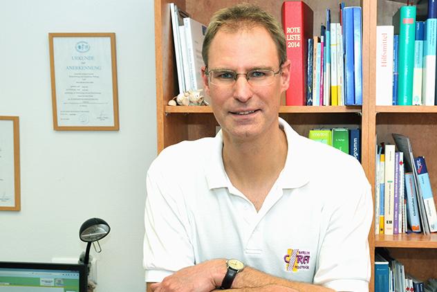 Dr. med. habil. Peter Julius